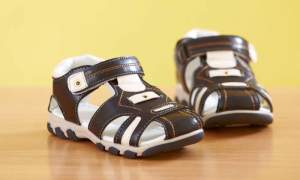 Orthopedic sandals-MainCover-1472842229.jpg